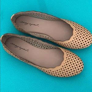 NWOT easy spirit cutout tan flats 7.5